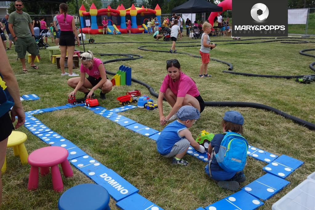 Jak zabavit děti na dětském dnu?